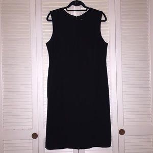 J. McLaughlin Sleeveless High V Neck Dress Black
